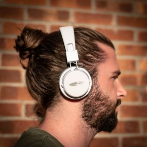 Bluetooth Headphones with Micro SD and AUX input